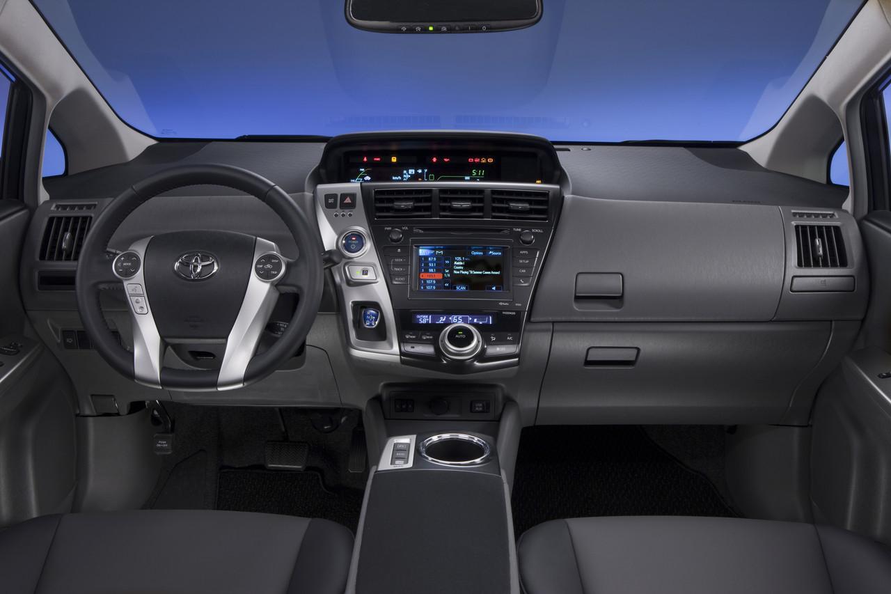 Foto de 2011 Toyota Prius v (60/77)