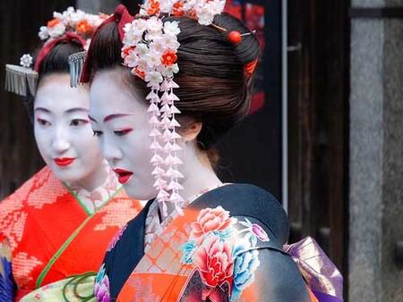 ¿Te apuntas a un curso de estética geisha?