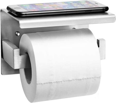 Este es el portarrollos de papel higiénico más vendido de Amazon. Y te vendrá genial para apoyar el móvil (o una plantita)