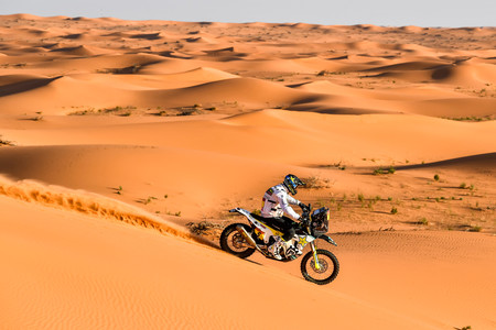 Pablo Quintanilla gana en el regreso de las motos al Dakar y se mete de lleno en la pelea por ser campeón