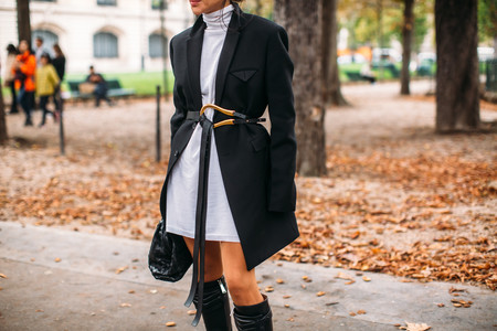 El street style nos muestra distintas maneras de lucir el (archi)famoso cinturón de Bottega Veneta
