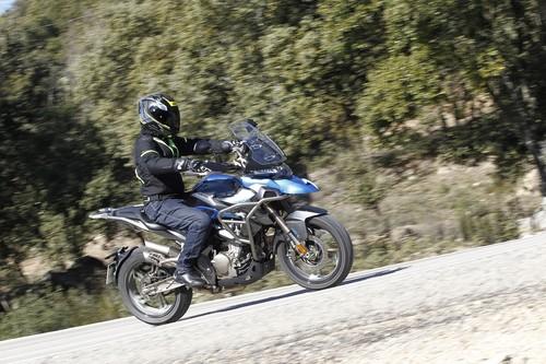 Probamos la Zontes T-310: una moto trail para el carnet A2 agresiva y ultraequipada a un precio imbatible