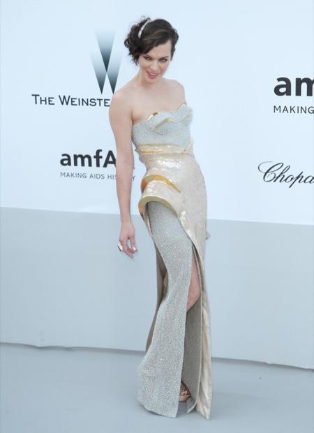 Milla Jovovich amFAR 2012 Cannes