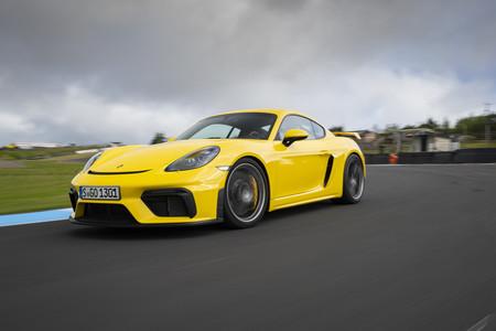 Porsche 718 Cayman GT4 circuito