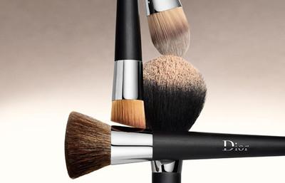 Dior confía en Raphaël para la elaboración de una colección de pinceles para esculpir, realzar o atenuar imperfecciones