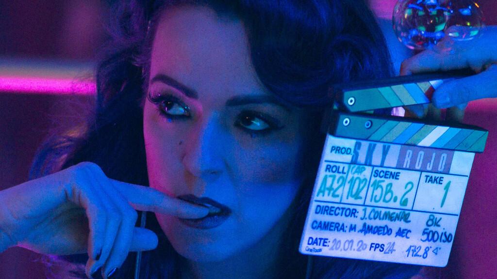 'Sky Rojo' y la polémica: el creador de 'La casa de papel' repite fórmula con una macarrada de acción con prostitutas que va de frente