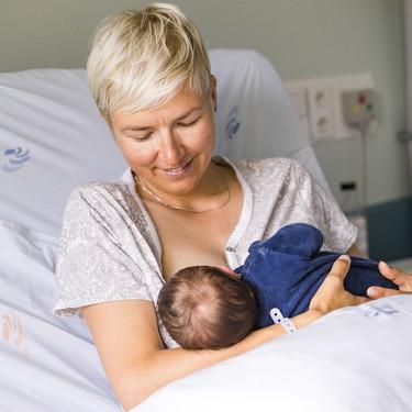 El apoyo del personal sanitario es fundamental para que las madres inicien con confianza y seguridad la lactancia materna