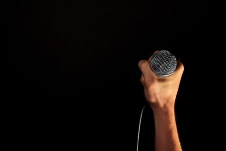 Cuatro herramientas de reconocimiento de voz que permiten prescindir del teclado (entre otros) y agilizar las tareas