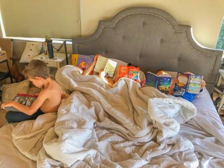 El increíble y bonito cambio que vio una madre en sus hijos tras eliminar el uso de pantallas en casa
