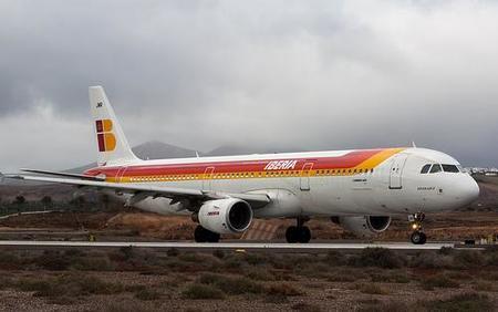 Iberia cobrará por la segunda maleta en clase turista