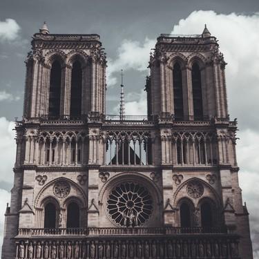 La moda reconstruirá Notre Dame: LVMH y Kering encabezan las donaciones para reconstruir Notre Dam