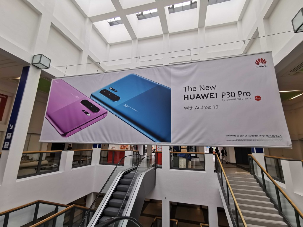 A new Huawei P30 Pro is left to see in the IFA 2019 with two new colors and Android 10 pre-installed