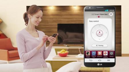 LG Smart Hom-Bot Square 2014