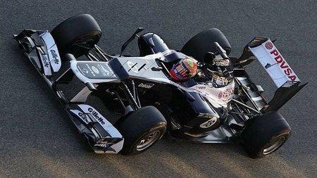 Pastor Maldonado sorprende con el mejor tiempo de la mañana en el Circuit de Catalunya