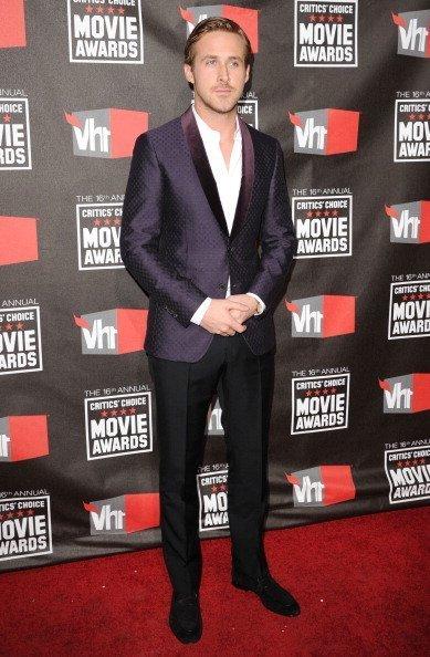 A Ryan Gosling le cogieron por feo, bueno por 'normal'