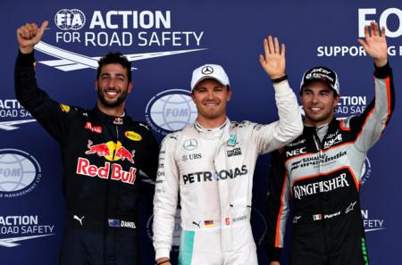 Nico Rosberg se apunta la pole en Bakú con Lewis Hamilton accidentado