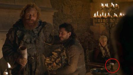 'Juego de Tronos' 8x04: HBO elimina la polémica taza de café que se había colado en el episodio