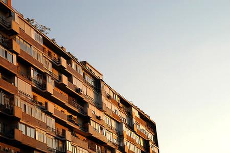 España es medalla de oro en las bajadas en la actividad de construcción