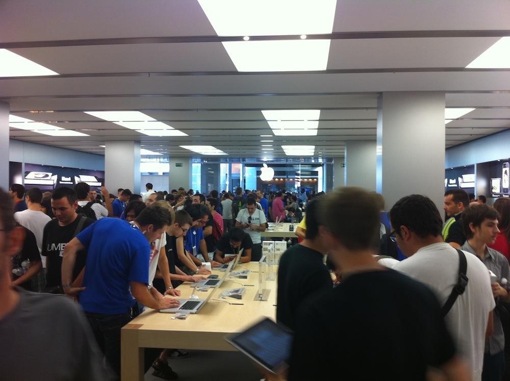 Foto de Inauguración Apple Store La Maquinista (58/93)