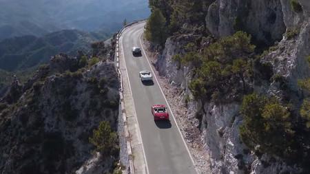 Jaguar F-Type 2016: ahora, un triple desfile en vídeo para que le busques pegas