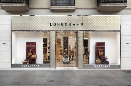 Longchamp reabre su boutique en España