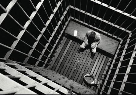 """""""Sólo deme la pena de muerte"""": así es vivir en prisión totalmente aislado del resto"""
