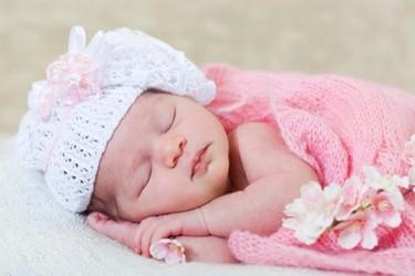 Cuando nazca tu bebé no le pongas gorro, no sirve de nada