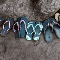 Chollos en tallas sueltas de chanclas Havaianas, Quiksilver, Levi's o Reef en Amazon