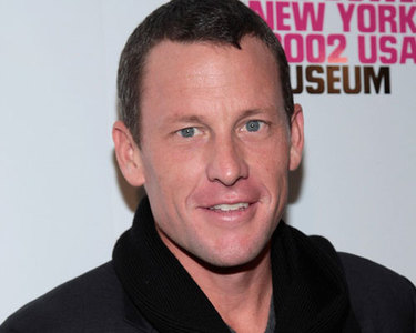 Lance Armstrong ha vuelto a ser padre