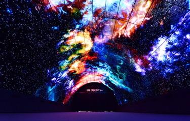 El impresionante túnel OLED que nos da la bienvenida a IFA 2016