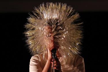 Los artistas no dan puntada sin hilo: te contamos el secreto de la moda en los conciertos
