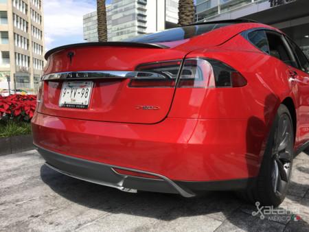 Tesla Model S Mexico 28