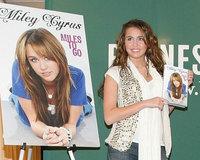 Miley Cyrus presenta su biografía
