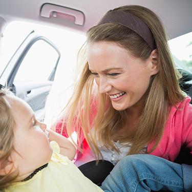Sillas a contramarcha: los sistemas de retención infantil más seguros para viajar