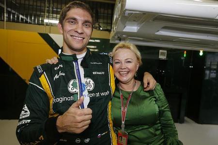 Según Oksana Kosachenko, Vitaly Petrov ha conseguido dinero para volver a la Fórmula 1