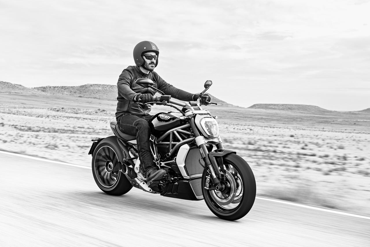Foto de Ducati Diavel X (6/29)