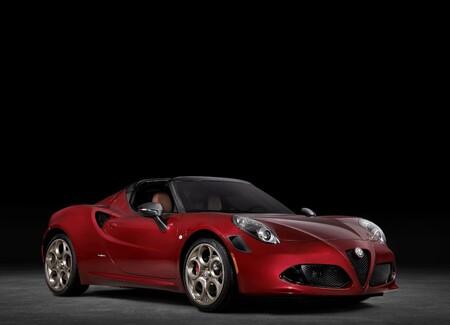 Alfa Romeo 4C Spider 33 Stradale Tributo, conmemora a una gran leyenda con tan solo 33 unidades