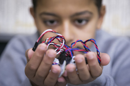 Este proyecto quiere acabar con la exclusión social juvenil con robótica e impresión 3D