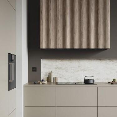 Tendencia en la cocina; las líneas verticales estilizan y sientan así de bien a tu cocina