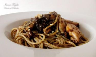 Espaguetis con chipirones. Receta