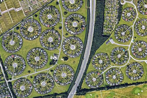 La hipnótica arquitectura que hay en la ciudad jardín de Brøndby