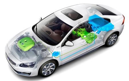 Volvo S60L Plug-in Hybrid 04
