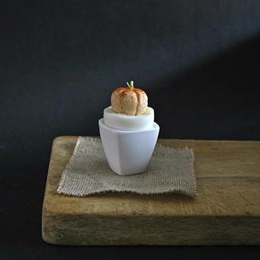 Cómo hacer huevos calabaza para Halloween