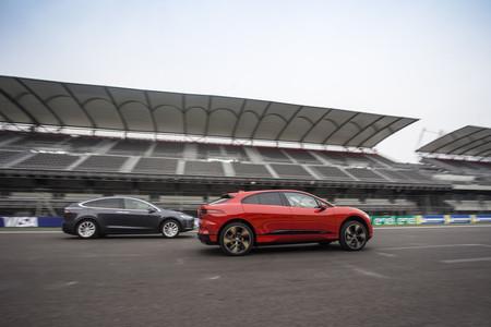 Por qué el Jaguar I-PACE sí se debe comparar con el Tesla Model X aunque sean coches tan distintos
