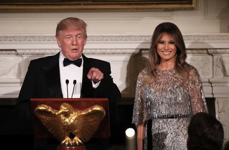 Melania Trump vuelve a conquistarnos a todos con un precioso vestido de casi 8.000 dólares y mucha pedrería