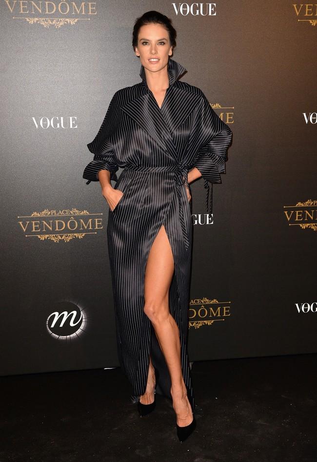fiesta vogue paris fashion week alessandra ambrosio