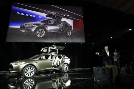 El Tesla Model X ya cuenta con 20.000 reservas, y subiendo