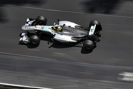 Nico Rosberg se lleva la victoria en una carrera de trenecitos