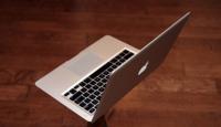 Apple rebaja el MacBook Air con disco SSD 500 dólares