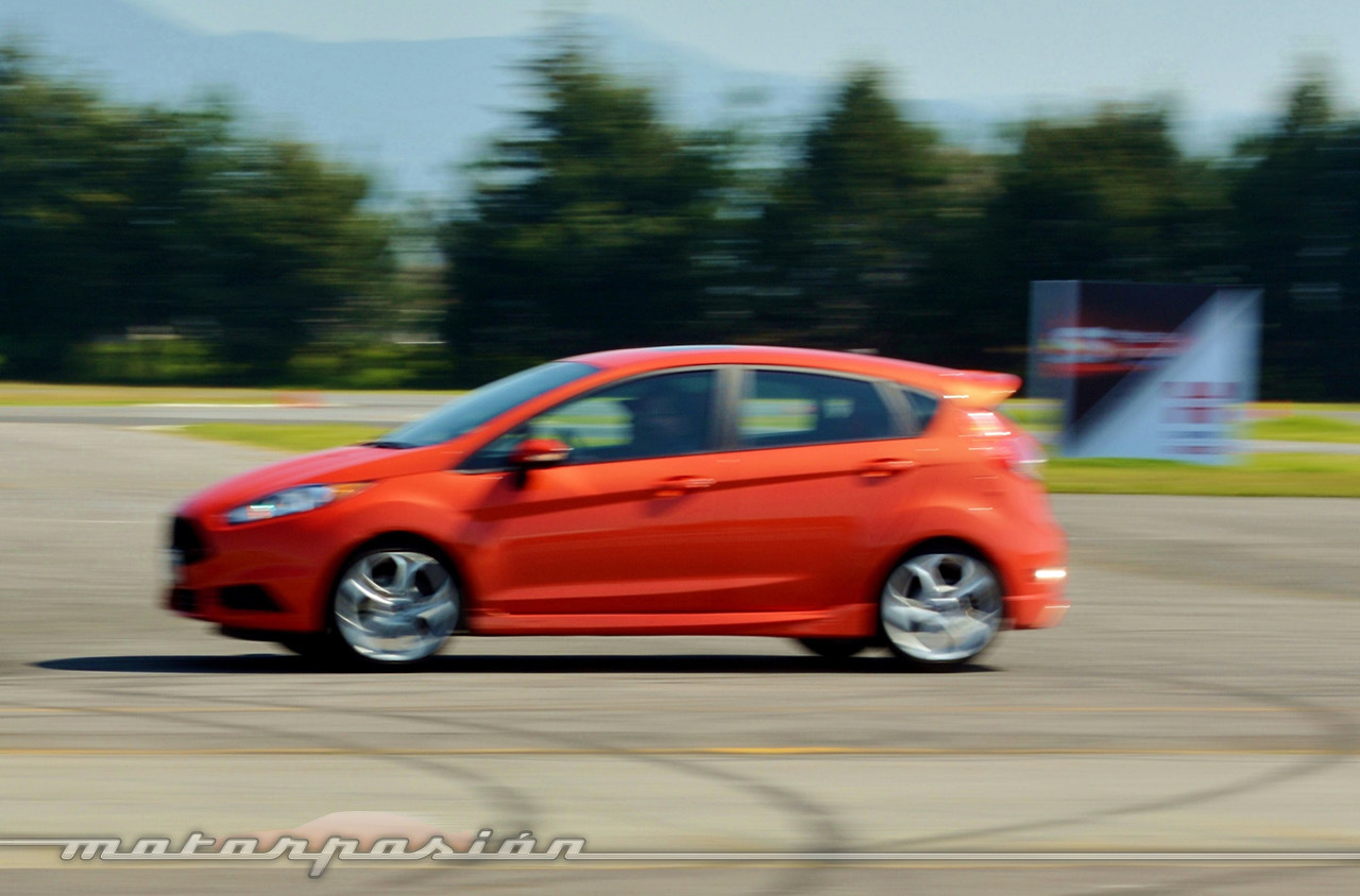 Contacto Ford Fiesta St 4 10